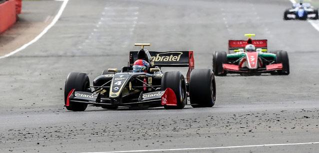 Fórmula V8 3.5: Pietro Fittipaldi vence as duas provas em Silverstone
