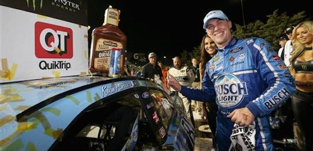 Kansas, gara: immenso Harvick