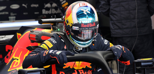 Singapore - Libere 1<br />Ricciardo leader con hypersoft