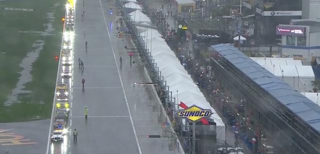Daytona dopo 22 ore<br />Alonso al top, bandiera rossa