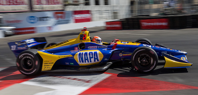 Long Beach, qualifica<br />Rossi soffia la pole a Dixon