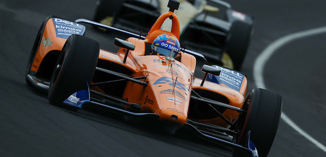 Indy, rookie-refresher<br />Problemi per Alonso