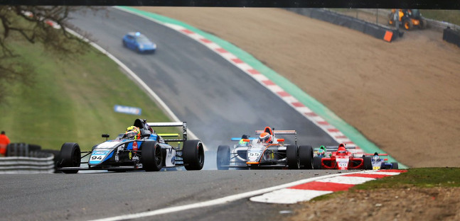 British F4 a Brands Hatch<br />Alvarez leader, Browning esalta