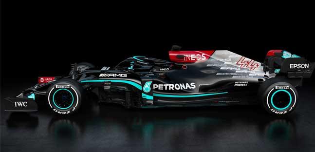 La Mercedes vinci tutto<br />presenta la nuova W12